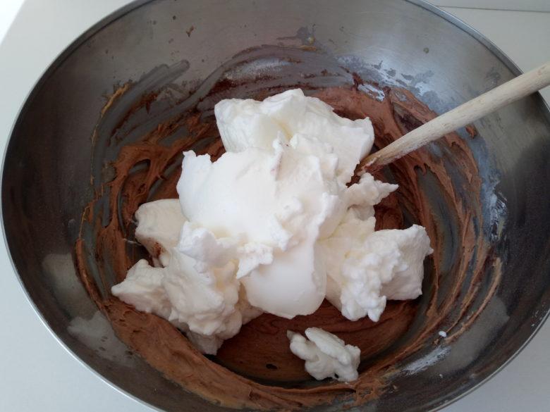 Ricetta torta al cioccolato e cocco albumi a neve