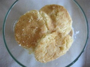 Pan di spagna con gelato
