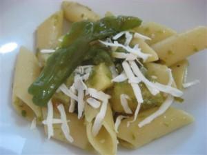 Anteprima della pasta con peperoncini verdi