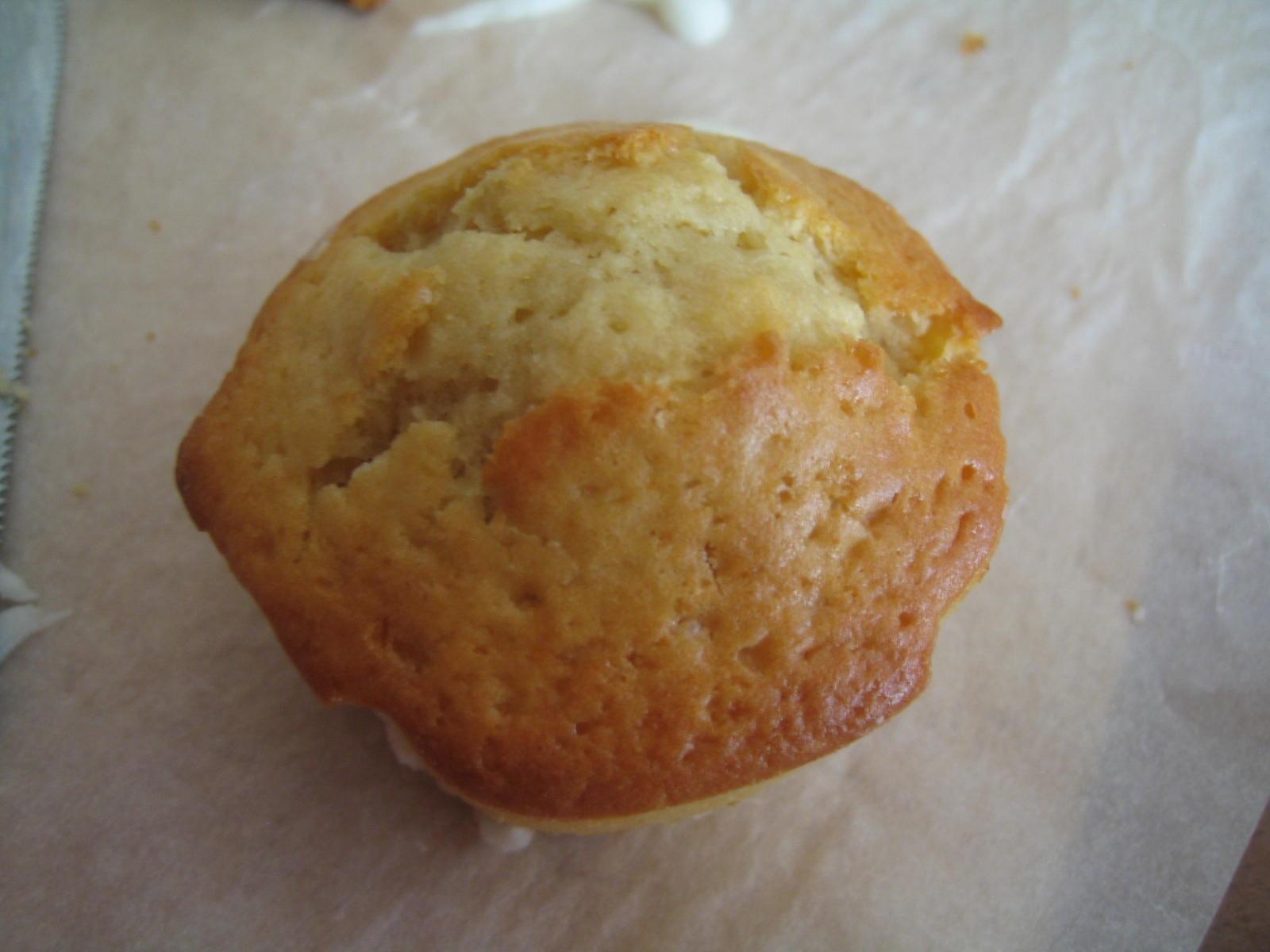 Muffins alla lavanda glassati al limoncello