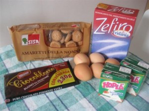 Ingredienti semifreddo all'amaretto