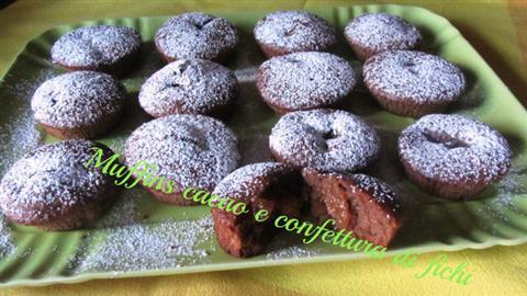Muffins al cacao con confettura di fichi