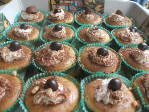 Cupcakes al cappuccino con glassa al caffè