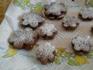 Biscotti cacao e confettura di fichi