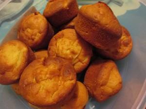 Muffin alle mele con cannella e marmellata di albicocche