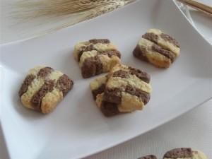 Presentazione biscotti a scacchi