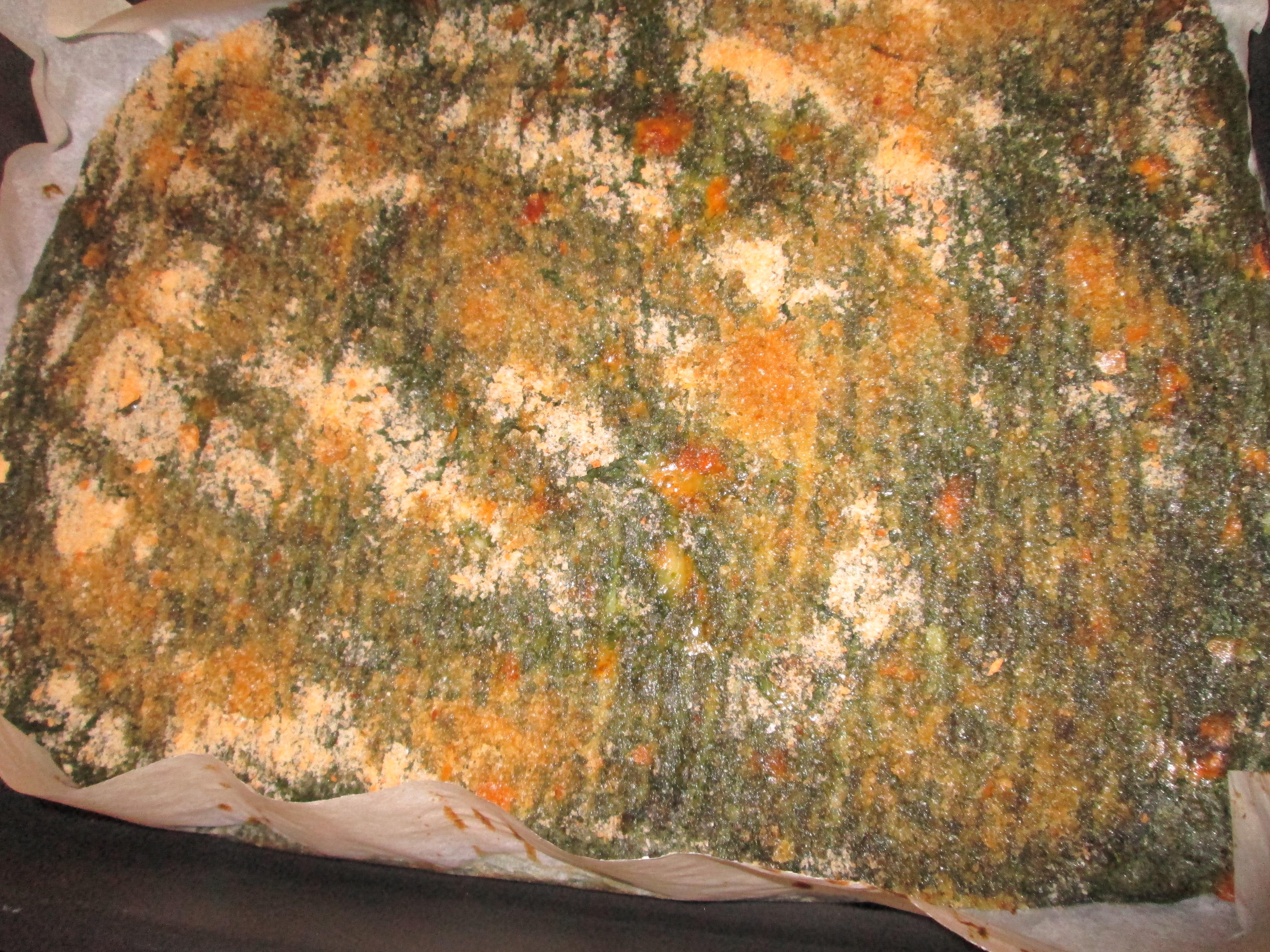In alternativa potete fare delle palline con l'impasto impanarle con il pangrattato e friggerle tipo crocchette di patate o mettere l'impasto in degli stampini di silicone di varie forme . Questo è un piatto amato dai bambini e dai grandi . Buon appetito !!! P.s. prima di tagliare le fette della pizza fate raffreddare un pò