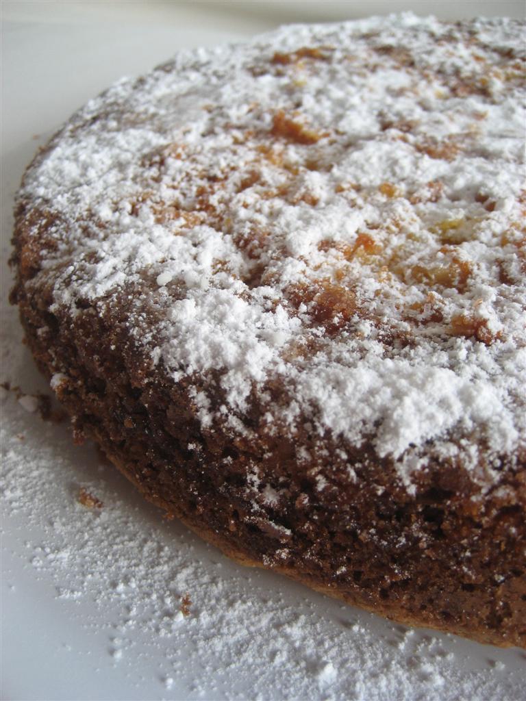Spolverare con zucchero a velo