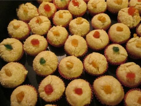 Infornare i dolcetti di mandorle a 180° per circa 15 minuti, (mi raccomando non devono coloririsi troppo) dopodichè farli raffreddare.