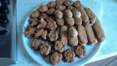 nel frattempo preparare altri biscottini fino ad esaurimento dell'impasto, potete prepararli in teglie monouso in modo da essere gia' pronti da infornare.