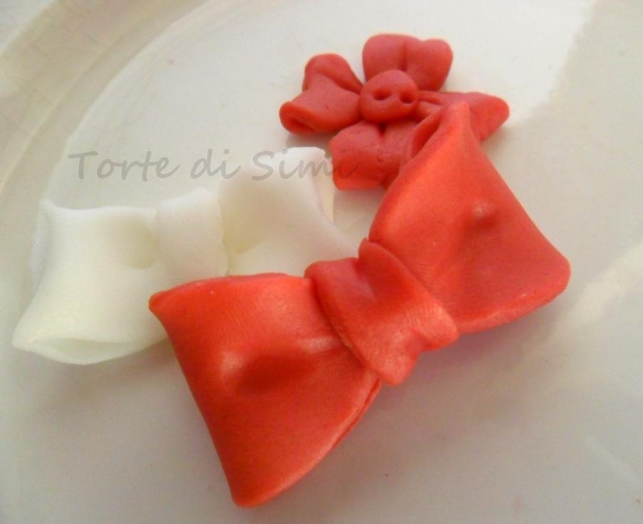 Fiocchi in pasta di zucchero presentazione