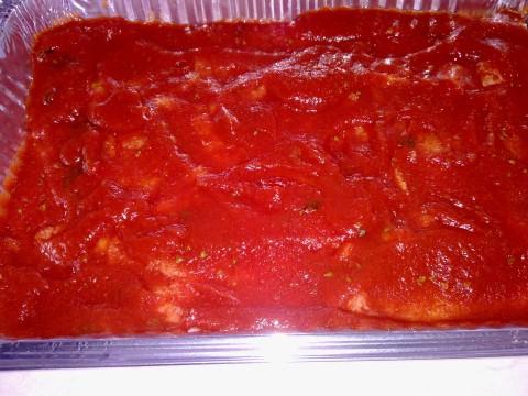Versatevi poi sopra la salsa di pmodoro