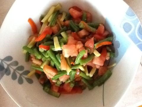 Estrarre la verdura con una schiumarola e lasciarla raffreddare.