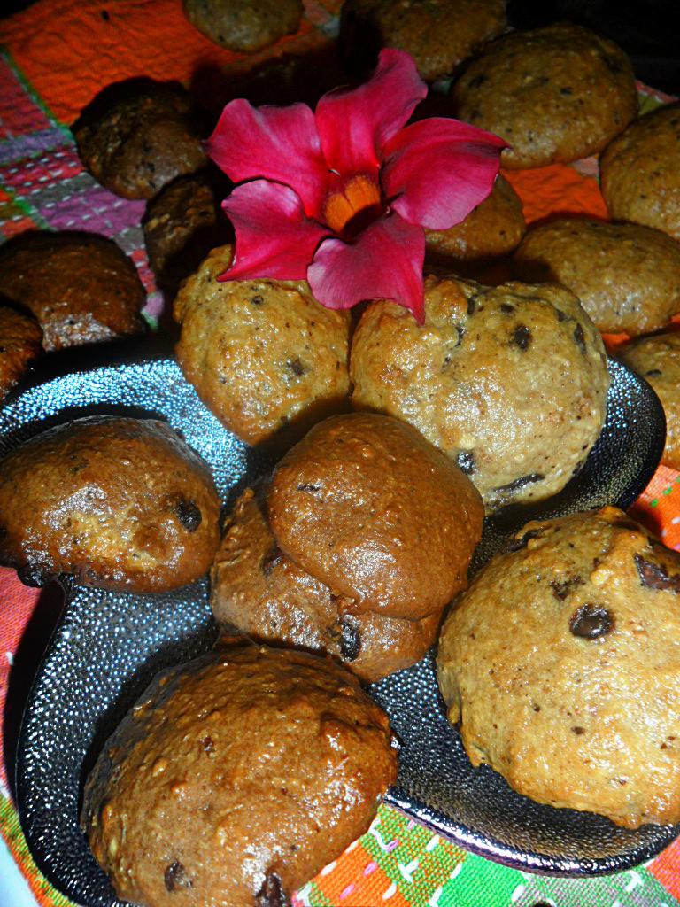 Biscotti riso soffiato e amaretti presentazione