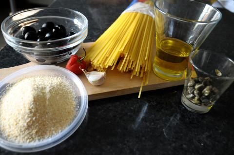 Ingredienti per Spaghetti Sciuè Sciuè