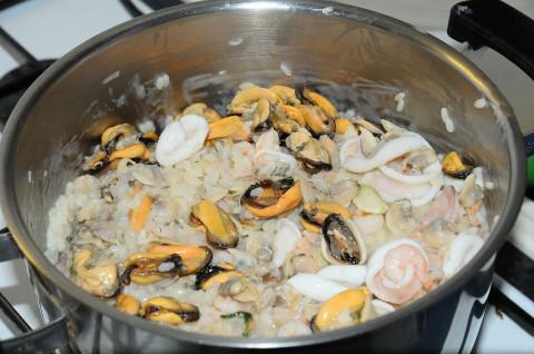 riso con incorporati i frutti di mare