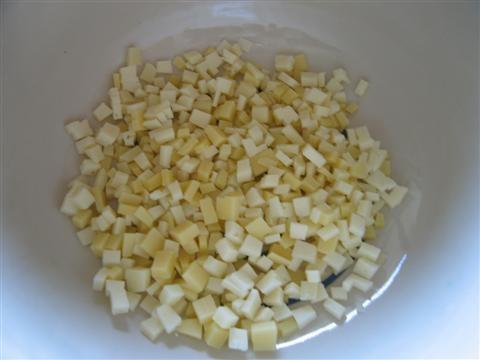 tagliare formaggio