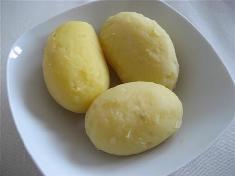 sbucciare le patate