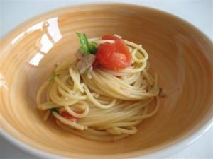 spaghetti con pesce bandiera