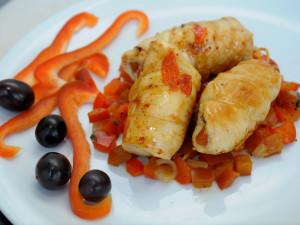 Involtini di pollo ripieni ai peperoni