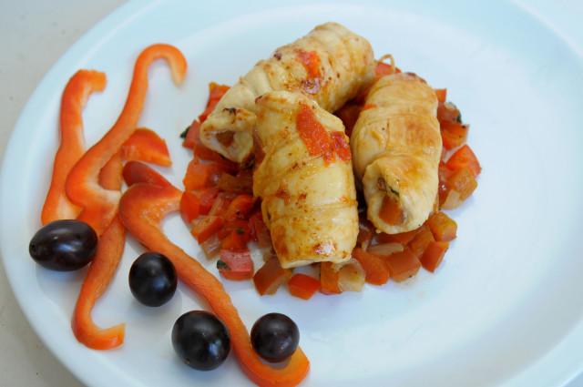Involtini di pollo ripieni ai peperoni presentazione