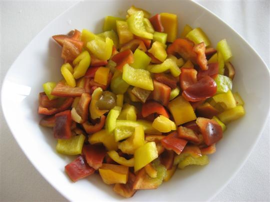 lavare e tagliare i peperoni