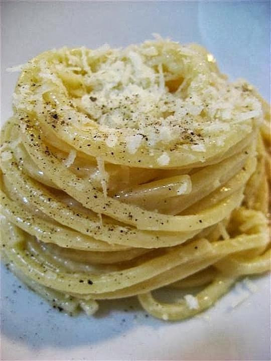 spaghetti alla carbonara presentazione