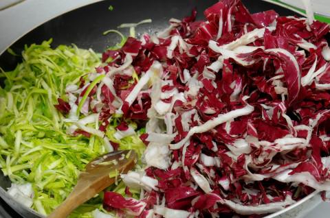 zucchine e radicchio in padella