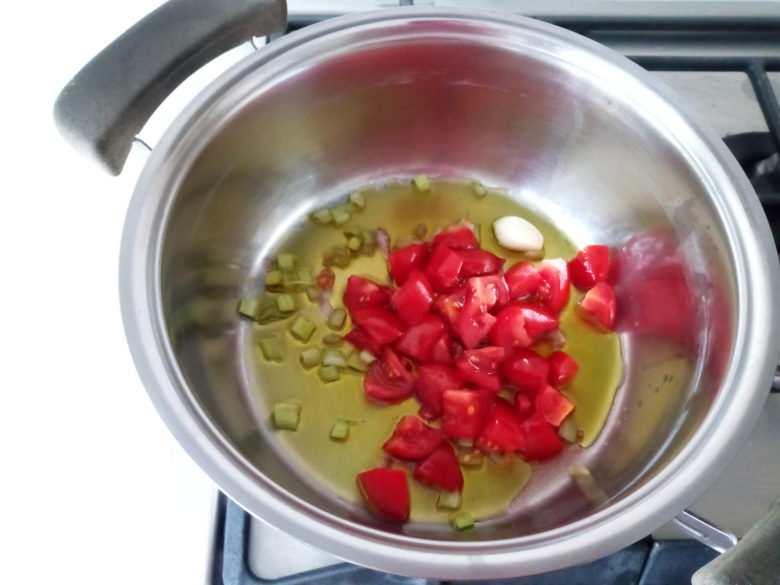 pomodori,aglio e sedano