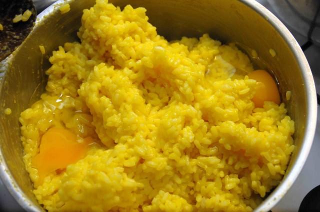 riso e zafferano, uova e parmiggiano