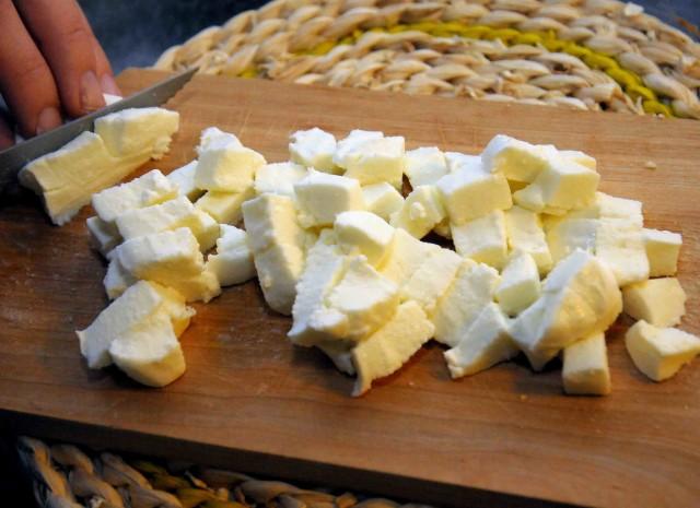 mozzarella a dadini