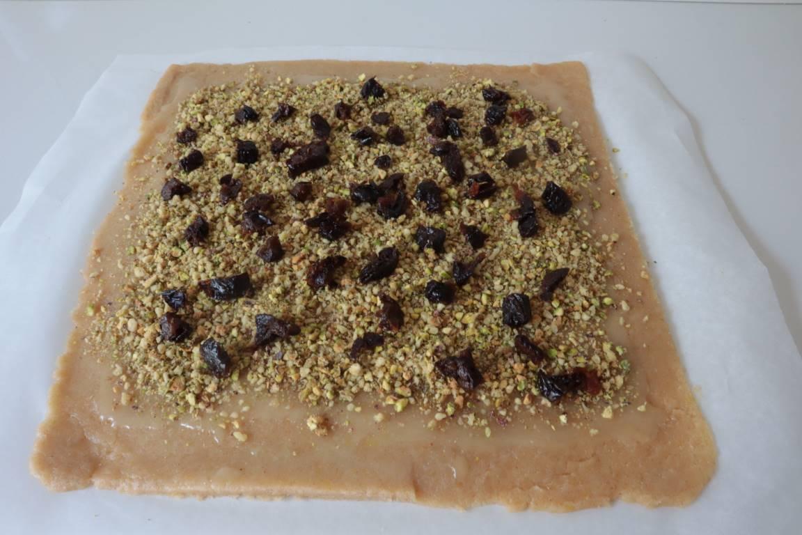 Girelle di pasta frolla con frutta secca