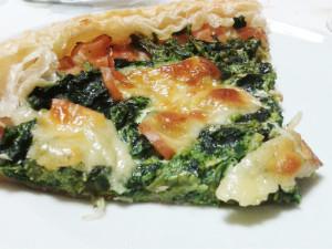 Torta salata con broccoli e speck