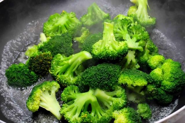 broccoli rosolati nel burro