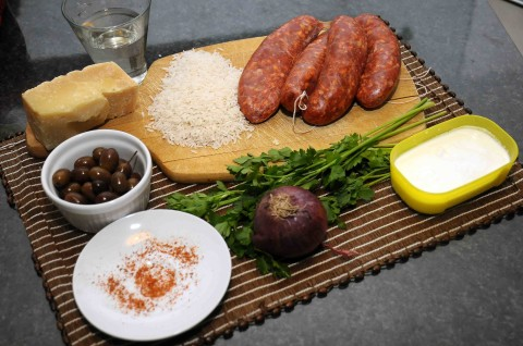 Risotto piccante alle olive e salsiccia ingredienti