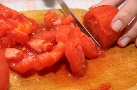 pomodori tagliati a dadini